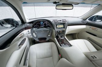 Гибрид Toyota Lexus LS 600h