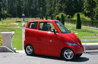Необычные автомобили: Tango Ultra-Narrow Electric Car
