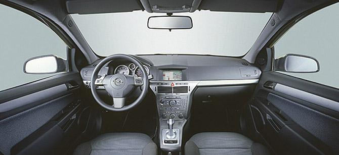 Первый тест-драйв нового Opel Astra Notchback