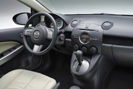 Фото Mazda2 седан
