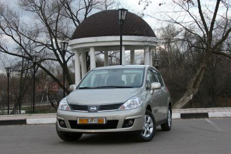 Фото. Тест-драйв Nissan Tiida