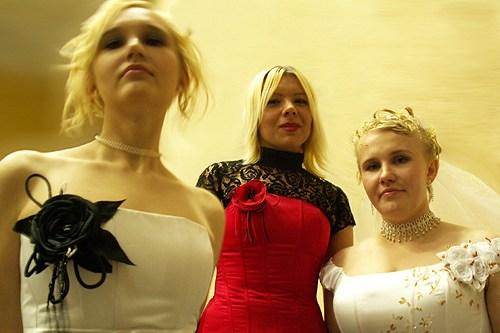 юля, кармен и молодая жена Н.