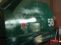 Так выглядит кабина тренажера снаружи.  Тренажер в данный момент выпущен в двух вариантах компоновки: с кабиной Ил-2...