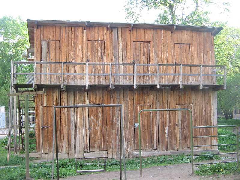 Двухэтажные сараи своими руками 38