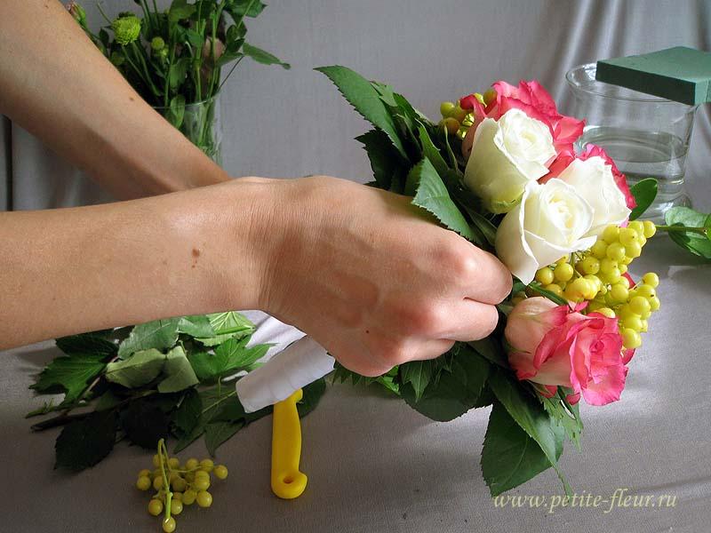 Сделать букет невесты из роз своими руками 3