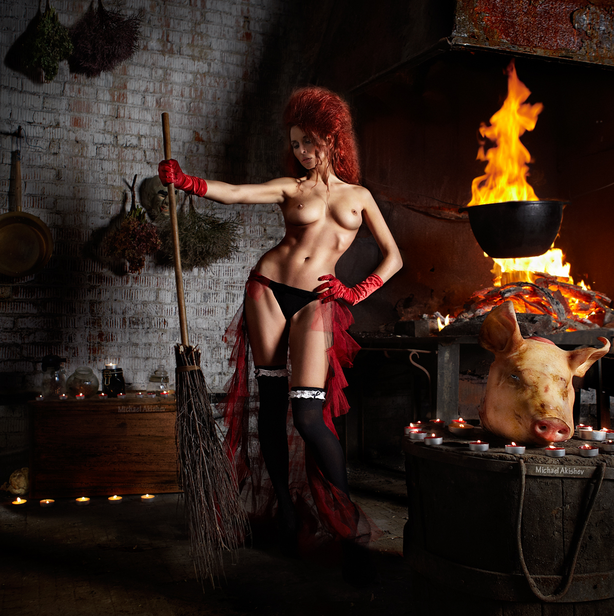 Фото голая ведьма 16 фотография