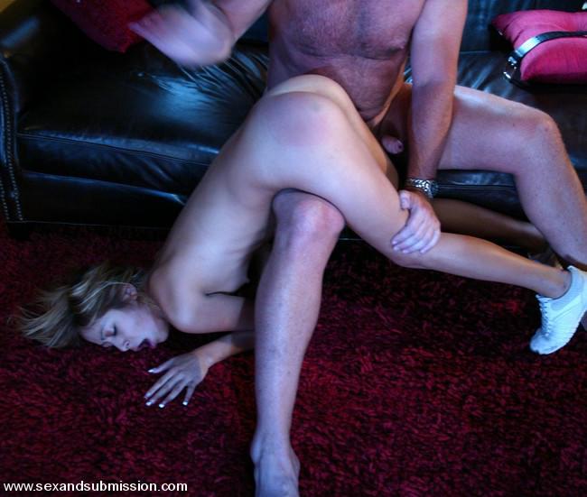 строго рассказы жену муж наказал