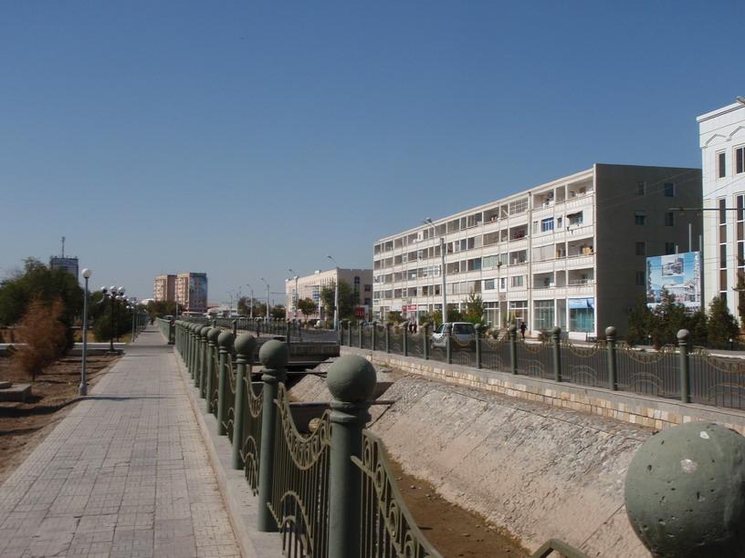 http://ljplus.ru/img4/d/e/deadsmoker/urgench-central-avenue.jpg