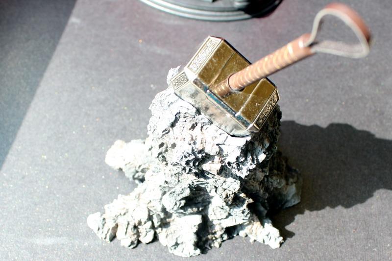 http://ljplus.ru/img4/d/e/denrep_lilium/Thor-hammer.jpg
