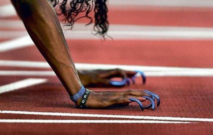 как поднять клюющий ноготь