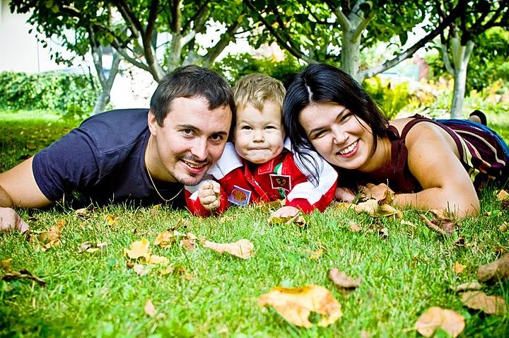 Картинки семьи с детьми на природе