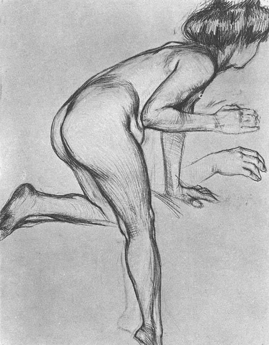 художник рисует голую натуру