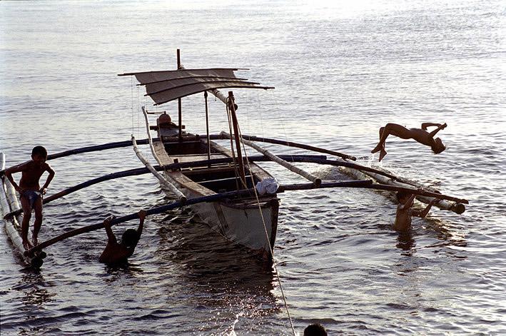 лодки филиппинских рыбаков