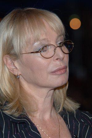 16 сентября 1952 года родилась любовь григорьевна воропаева - российская поэтесса, автор текстов песен, сценарист