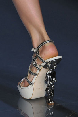 женские сумки и обувь Dior