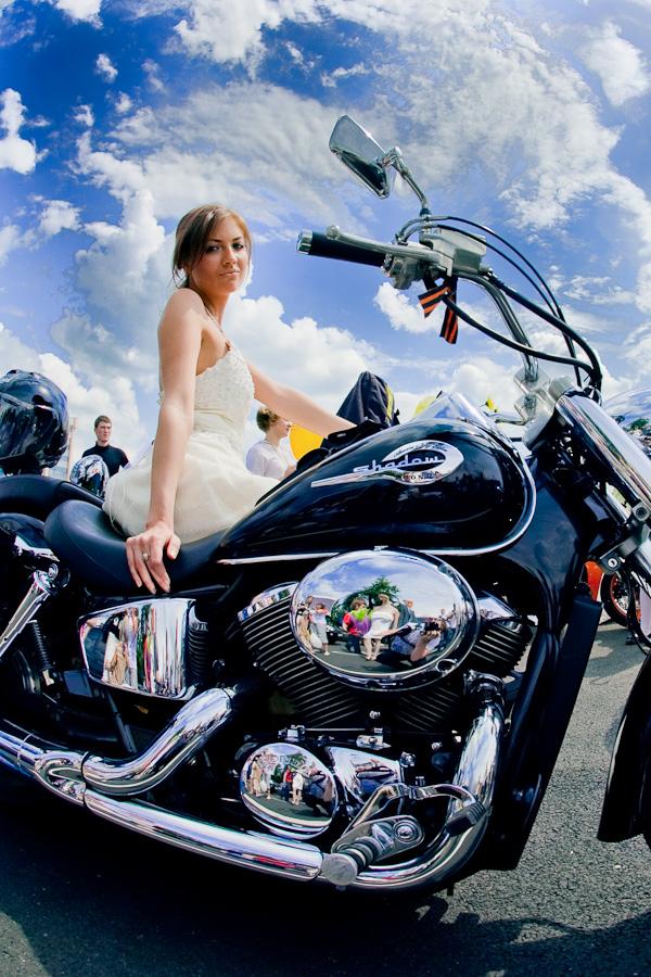 Noiva de moto, Mês das noivas e moto, Casamento e moto, noivas de maio e moto, Bride motorcycle, Month brides and bike, May brides and bike, Wedding and bike, babe om bike,gostosa na moto, girl on bike, sexy babe on bike, sexy on motorcycle, babes on bike, ragazza in moto, donna calda in moto, femme chaude sur la moto, mujer caliente en motocicleta, chica en moto, heiße Frau auf dem Motorrad