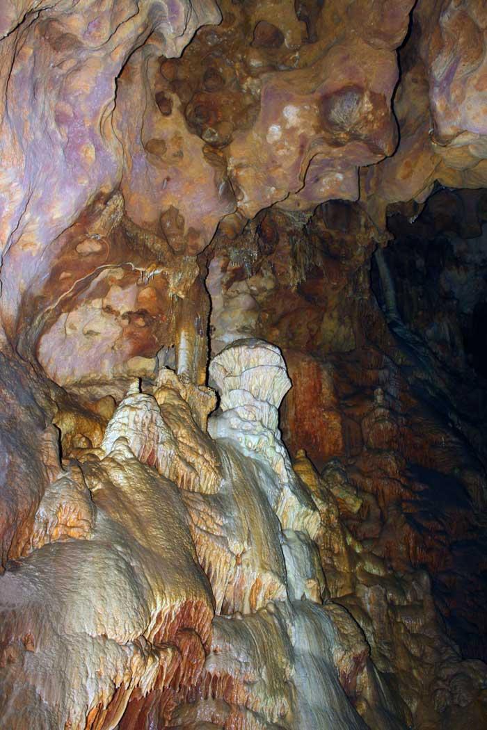 """Крымские тайны: розовый грот, двухэтажное озеро, """"янтарно-шоколадные"""" струи и легенда о любви фото 34"""