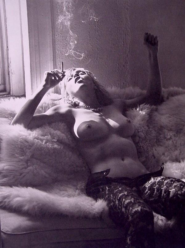 seksi-madonna-otkrovennie-eroticheskie-provokatsii-videoklipi