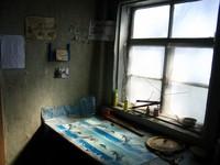 На этой фотографии Предгадник кажется просторным мрачным залом. В действительности же он размером с вагонный тамбур