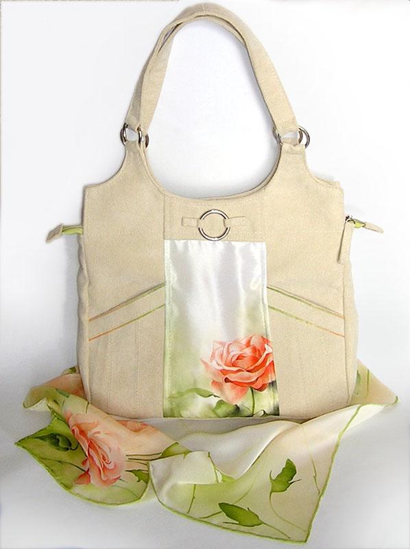 описание сумок женских moschino