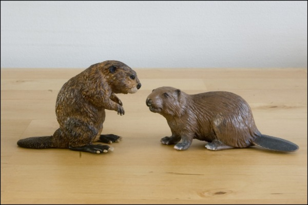 Mojo beaver: the best beaver figurine at the market? Papo_Schleich_600x400