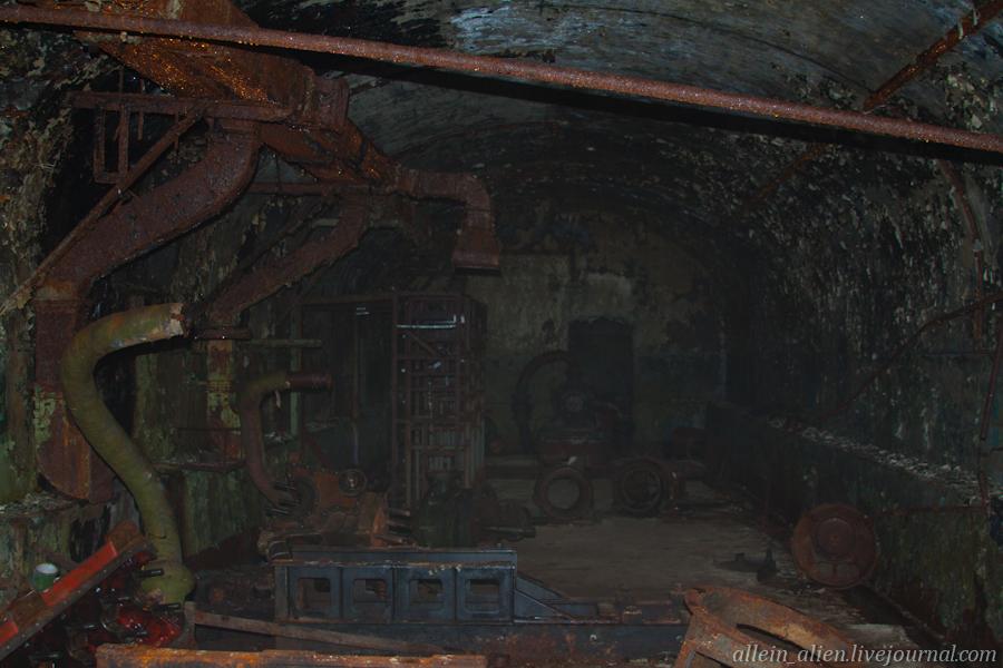 В техническом блоке частично сохранились сооружения электростанции и котельной