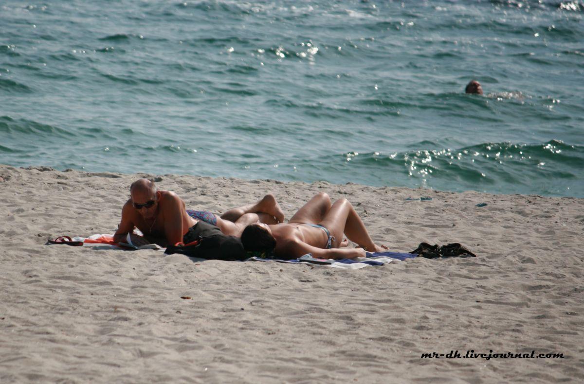 сделал видео разврат на пляже в одессе имеется