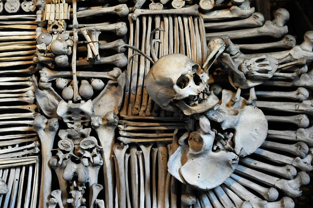 узнать, как фото мечей с добавлением человеческих костей люди решаются татуировки