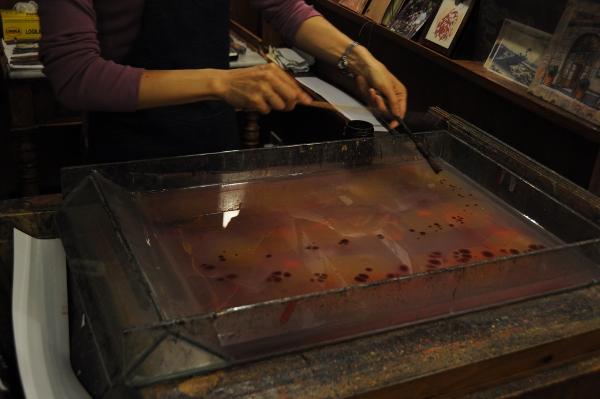Как делают красивую бумагу во Флоренции