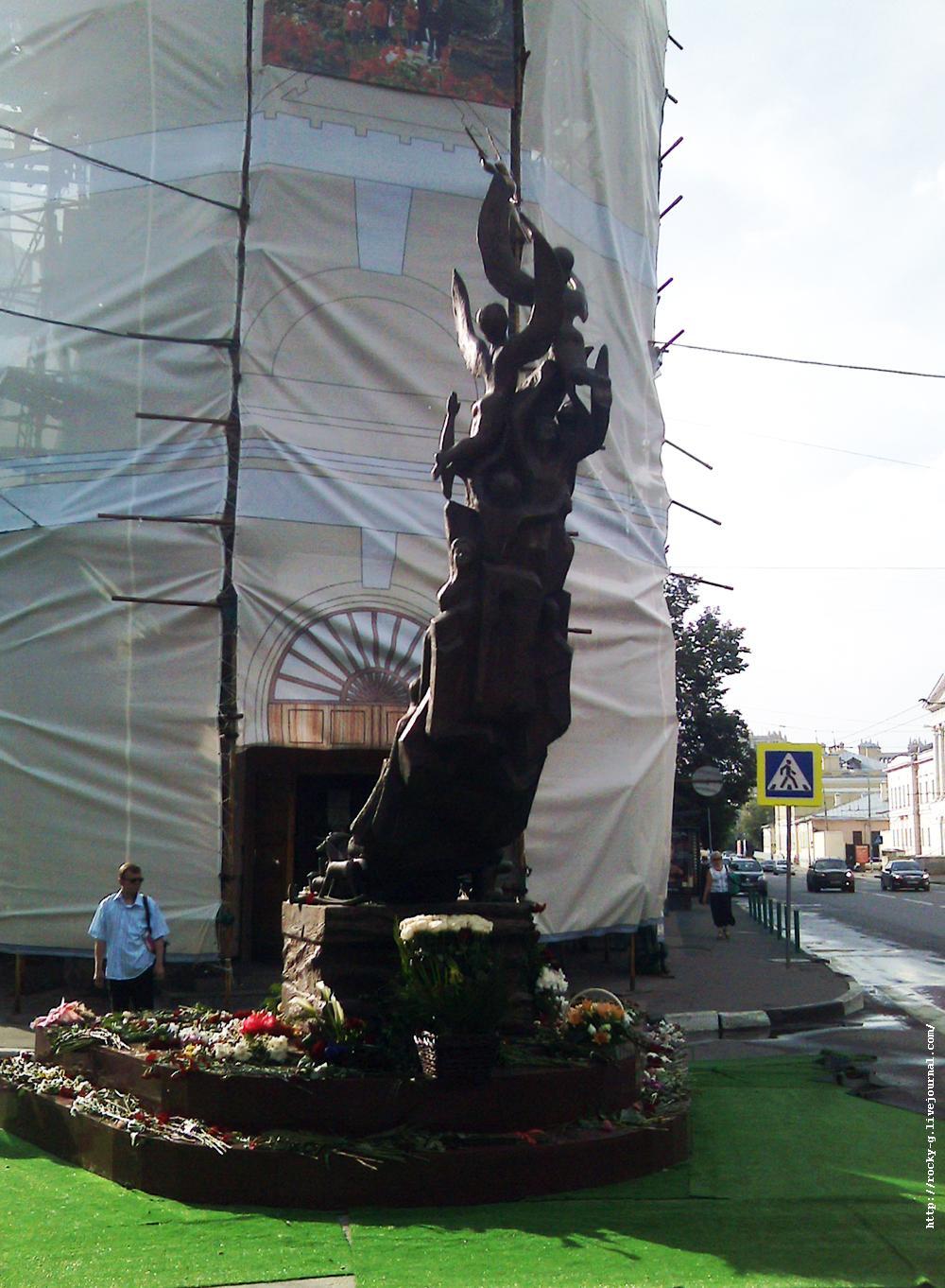 В память о жертвах трагедии в Беслане