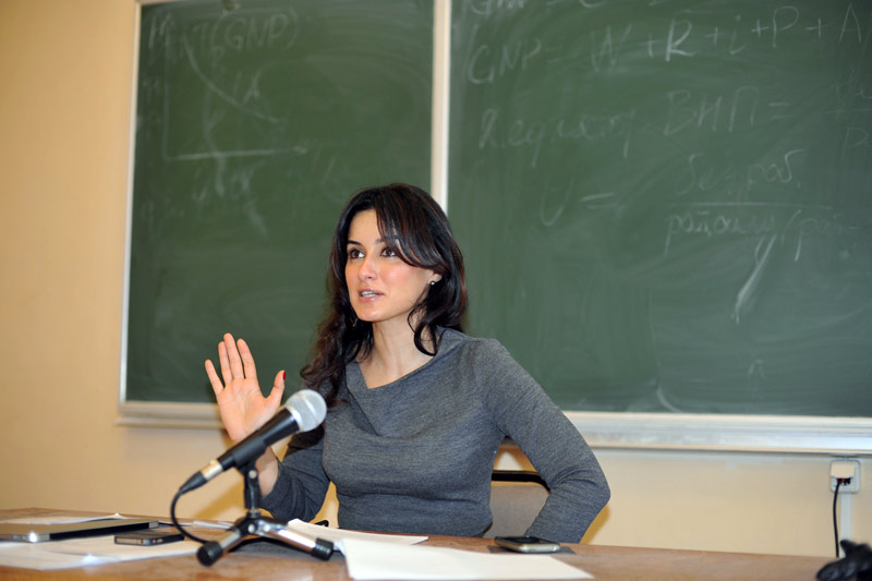 Тина Канделаки в школе